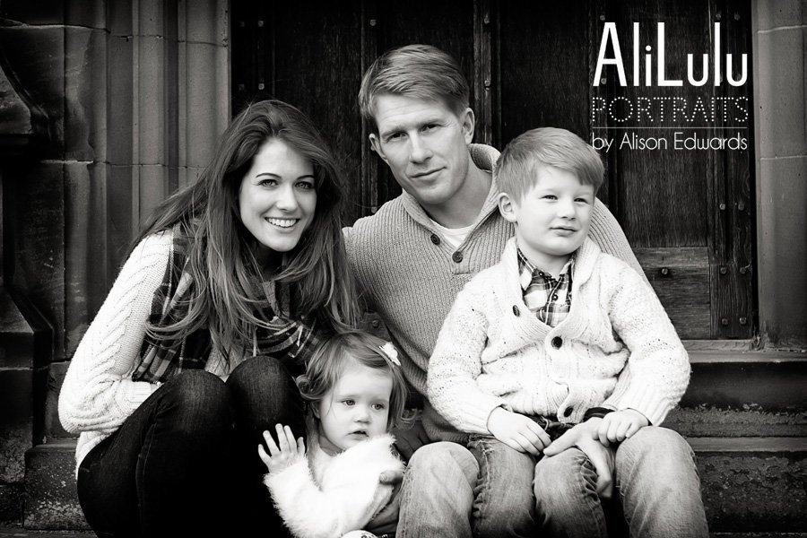family- lifestyle portraits in autumn