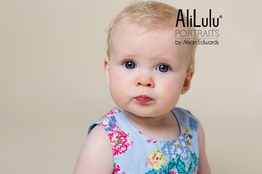 7 month old baby girl photo session