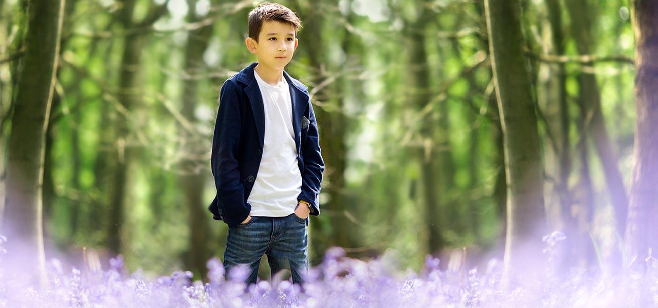 children's-portraits-nottingham in bluebell woods