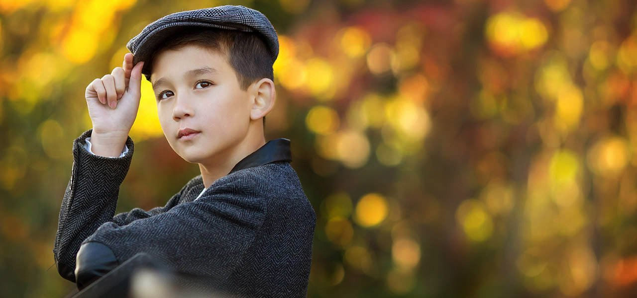 boy wearing flat cap autumn shoot portrait photographer nottingham
